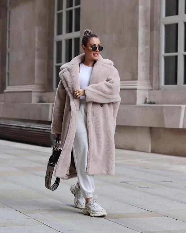 coat faux fur coat oversized sneakers joggers tank top dior bag