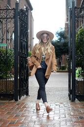blonde bedhead,blogger,cardigan,jeans,t-shirt,hat,bag,shearling jacket,winter outfits