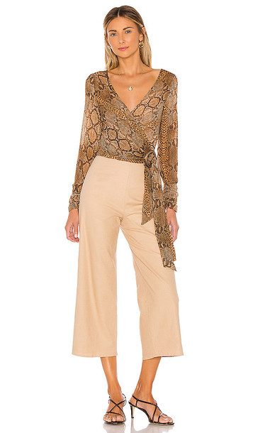 L'Academie The Aman Top in Brown