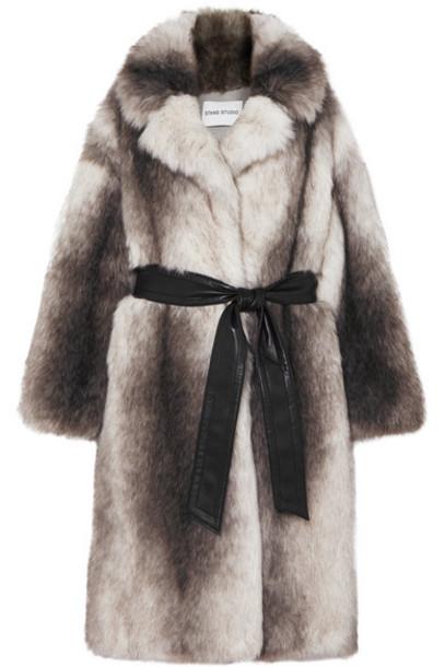 Stand Studio - Pernille Teisbaek Clara Oversized Belted Faux Fur Coat - Gray