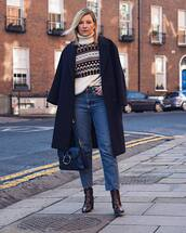 coat,navy coat,snake print,ankle boots,heel boots,cropped jeans,straight jeans,high waisted jeans,blue bag,turtleneck sweater