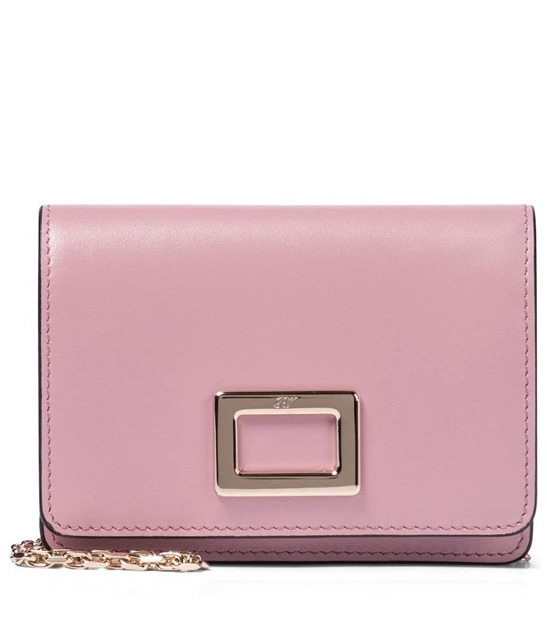 Roger Vivier Très Vivier Mini leather clutch in pink