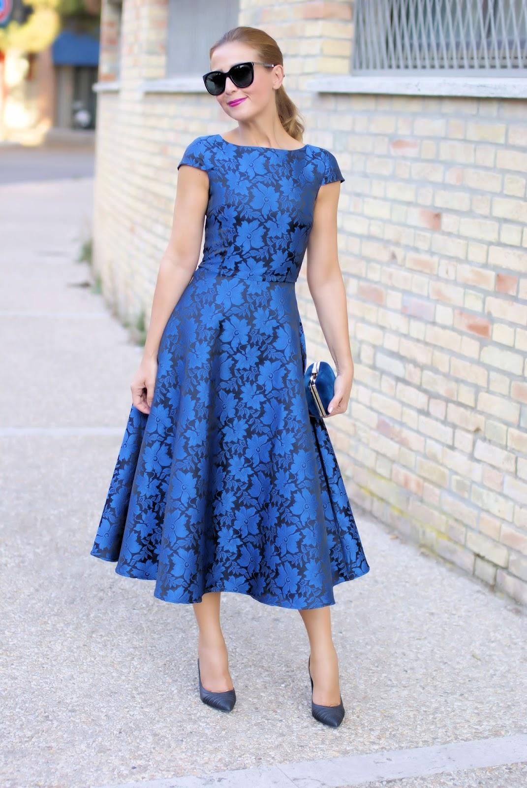 Blue elegant jacquard midi dress | Fashion and Cookies - fashion and beauty blog
