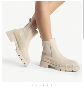 shoes,chelsea boots,rubberboots,faux leather,style,boots,beige