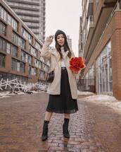 skirt,black skirt,midi skirt,high waisted skirt,black boots,sock boots,ankle boots,teddy bear coat,white turtleneck top,black bag,beanie