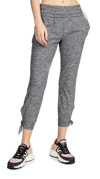 Beyond Yoga Keep It Lightweight Midi Sweatpants in black / white