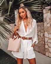 top,white shirt,High waisted shorts,white shorts,belt,handbag