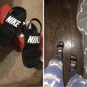 shoes,nike sandals,nike,sandals