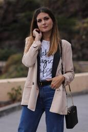 marilyn'scloset,blogger,t-shirt,jeans,shoes,bag,belt,jacket