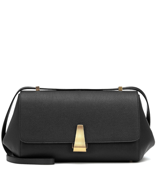 Bottega Veneta BV Angle leather shoulder bag in black