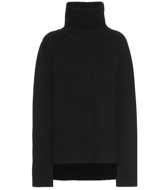 Joseph Merino wool turtleneck sweater in black