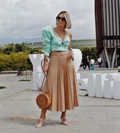 skirt,midi skirt,pleated skirt,top,asymmetrical top,sandals,green top
