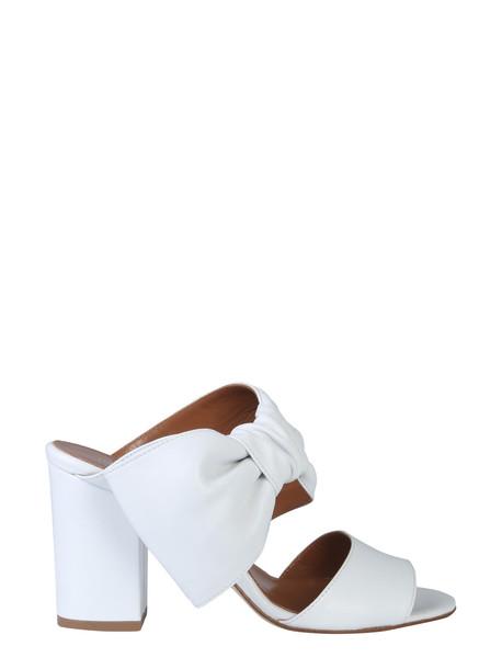 Paris Texas Leather Mules in bianco