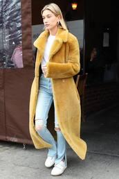 jeans,hailey baldwin,model off-duty,fur coat,faux fur coat,fall outfits,ripped jeans