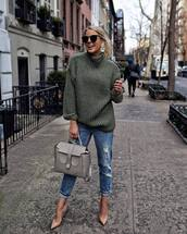 sweater,oversized sweater,green sweater,ripped jeans,boyfriend jeans,pumps,shoulder bag