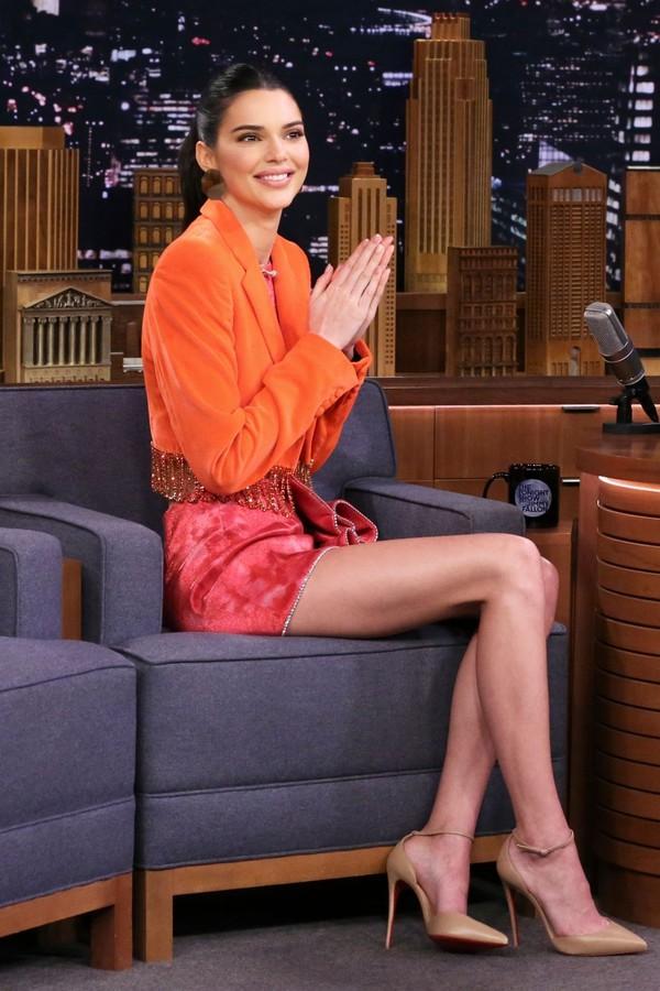 shoes pumps mini skirt cropped jacket blazer kendall jenner kardashians model off-duty