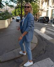 jacket,blazer,skinny jeans,white sneakers,white top