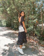 dress,black dress,short sleeve dress,white sneakers,white bag