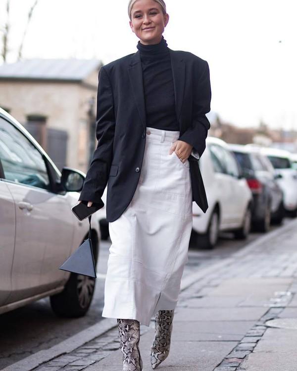 bag ysl bag triangle snake print knee high boots white skirt midi skirt high waisted skirt black blazer black turtleneck top