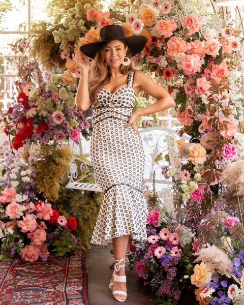 shoes hat dress