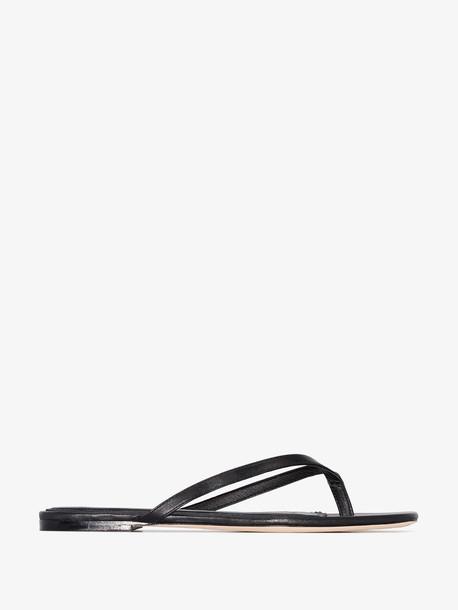 Studio Amelia black 2.2 flat sandals