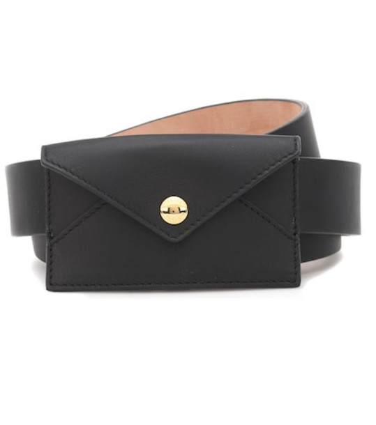 Burberry Leather belt in black