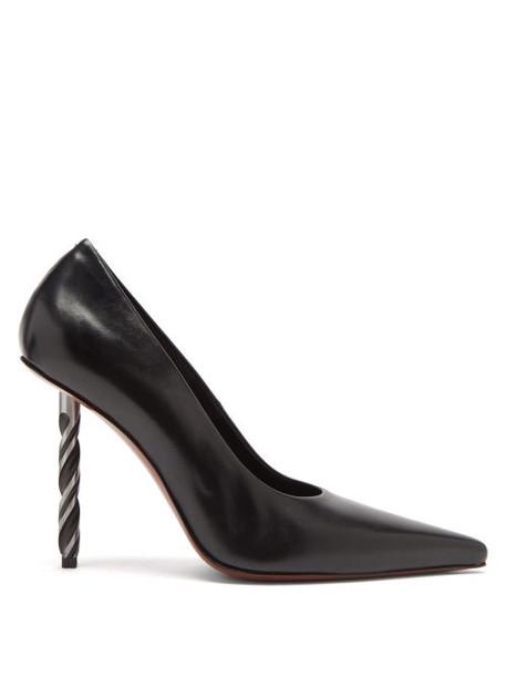 Vetements - Drill-bit Point-toe Leather Pumps - Womens - Black
