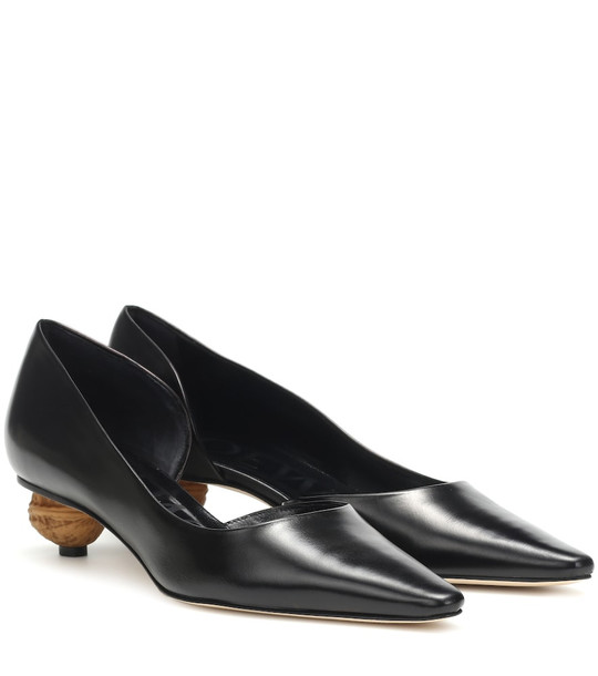 Loewe Embellished leather pumps in black