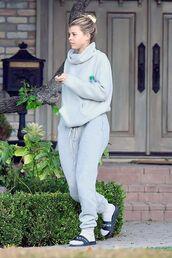 pants,sweatpants,sofia richie,celebrity,grey,grey sweater,slide shoes,casual