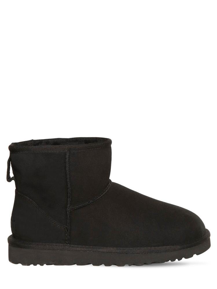 UGG 10mm Mini Classic Ii Shearling Boots in black