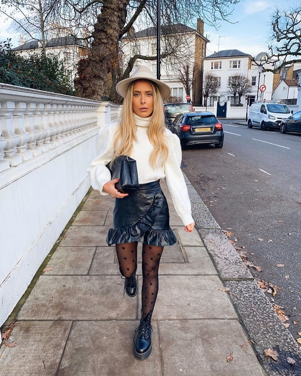 skirt mini skirt ankle boots black boots tights white sweater turtleneck sweater bag hat