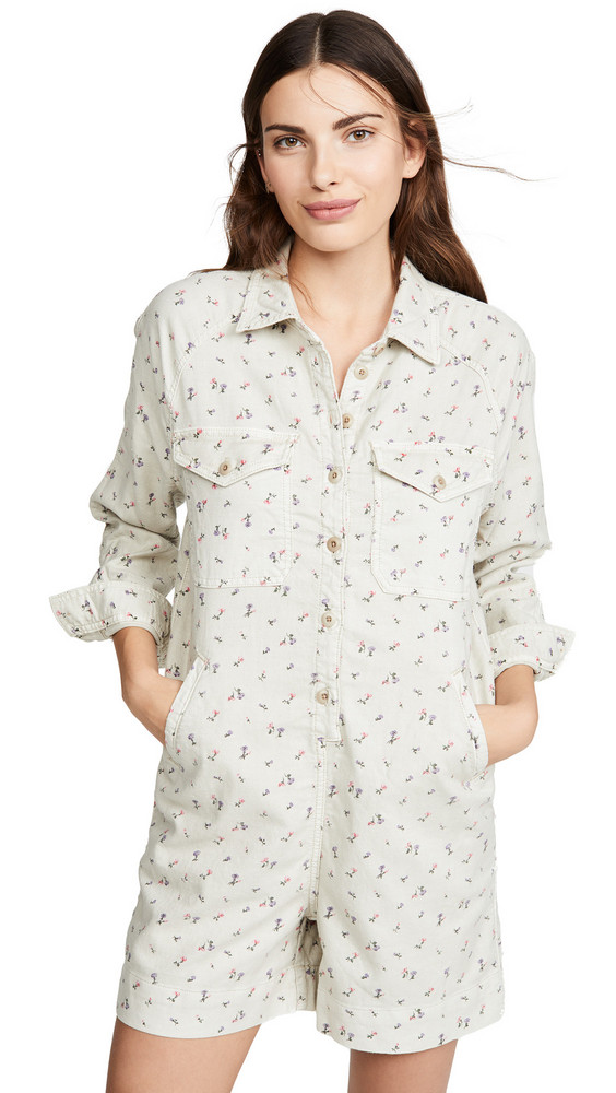 THE GREAT. THE GREAT. The Short Coveralls in rose / print