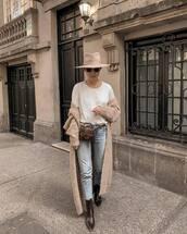 jeans,cropped jeans,levi's,long cardigan,zara,brown boots,ankle boots,white t-shirt,snake print,belt bag,felt hat