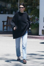 shoes,oversized sweater,kendall jenner,kardashians,celebrity,model off-duty,mules