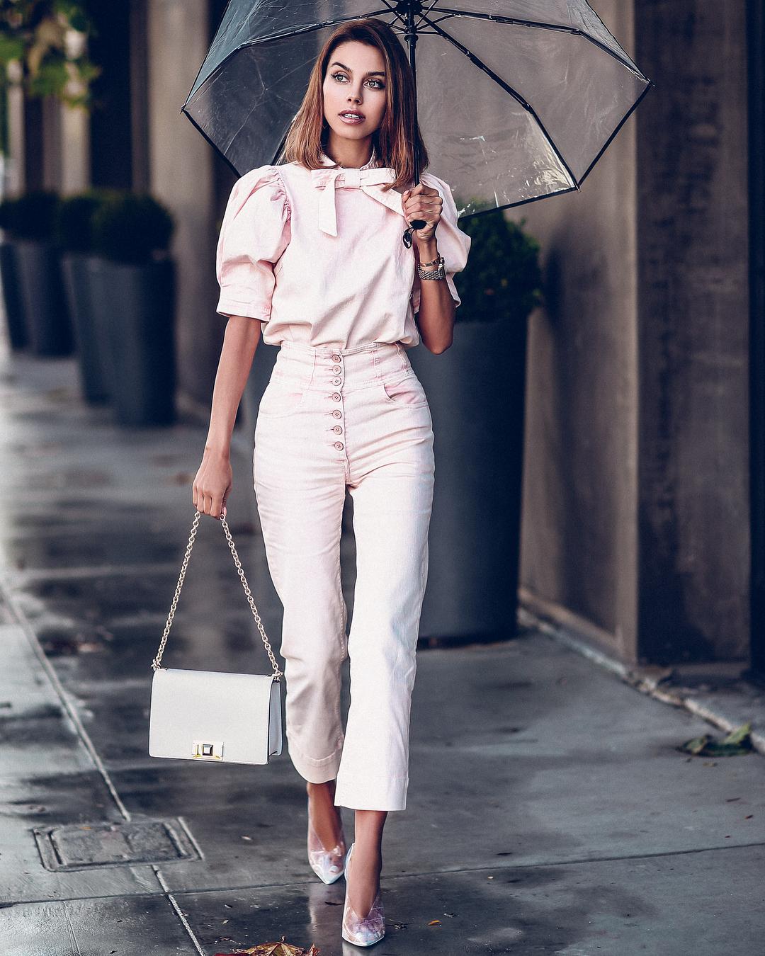 bag white bag shoulder bag pumps high waisted pants white pants white blouse puffed sleeves umbrella