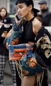 jacket,fashion week,black,colorful,korean fashion,long,gold,korean style,fashion week 2017