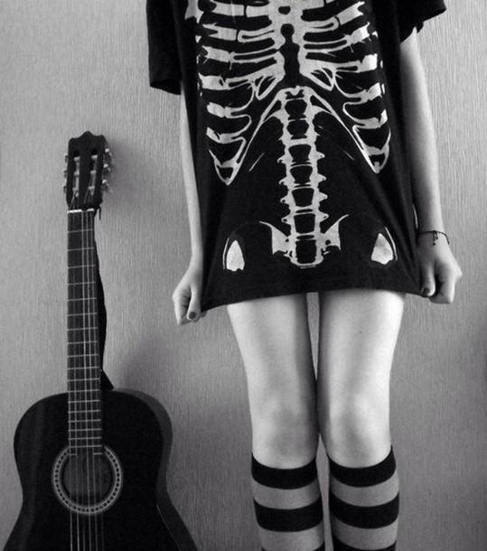 t-shirt shirt black white skull bones skeleton t-shirt knee high socks halloween