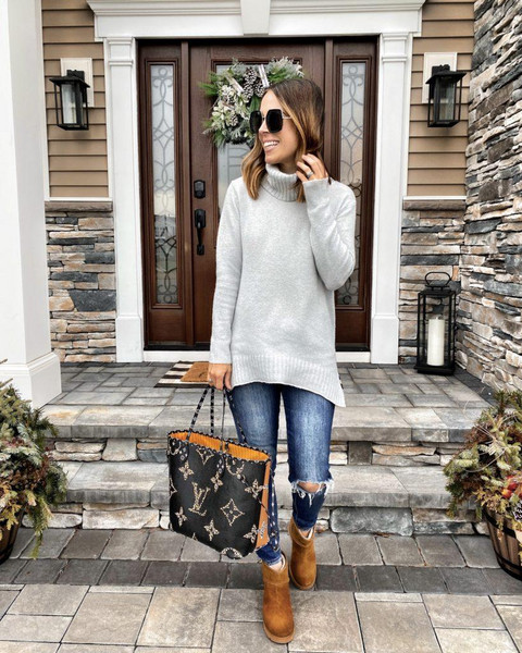 mrscasual blogger sweater shoes jeans bag ankle boots louis vuitton bag