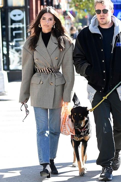 jacket blazer oversized emily ratajkowski model off-duty streetstyle jeans