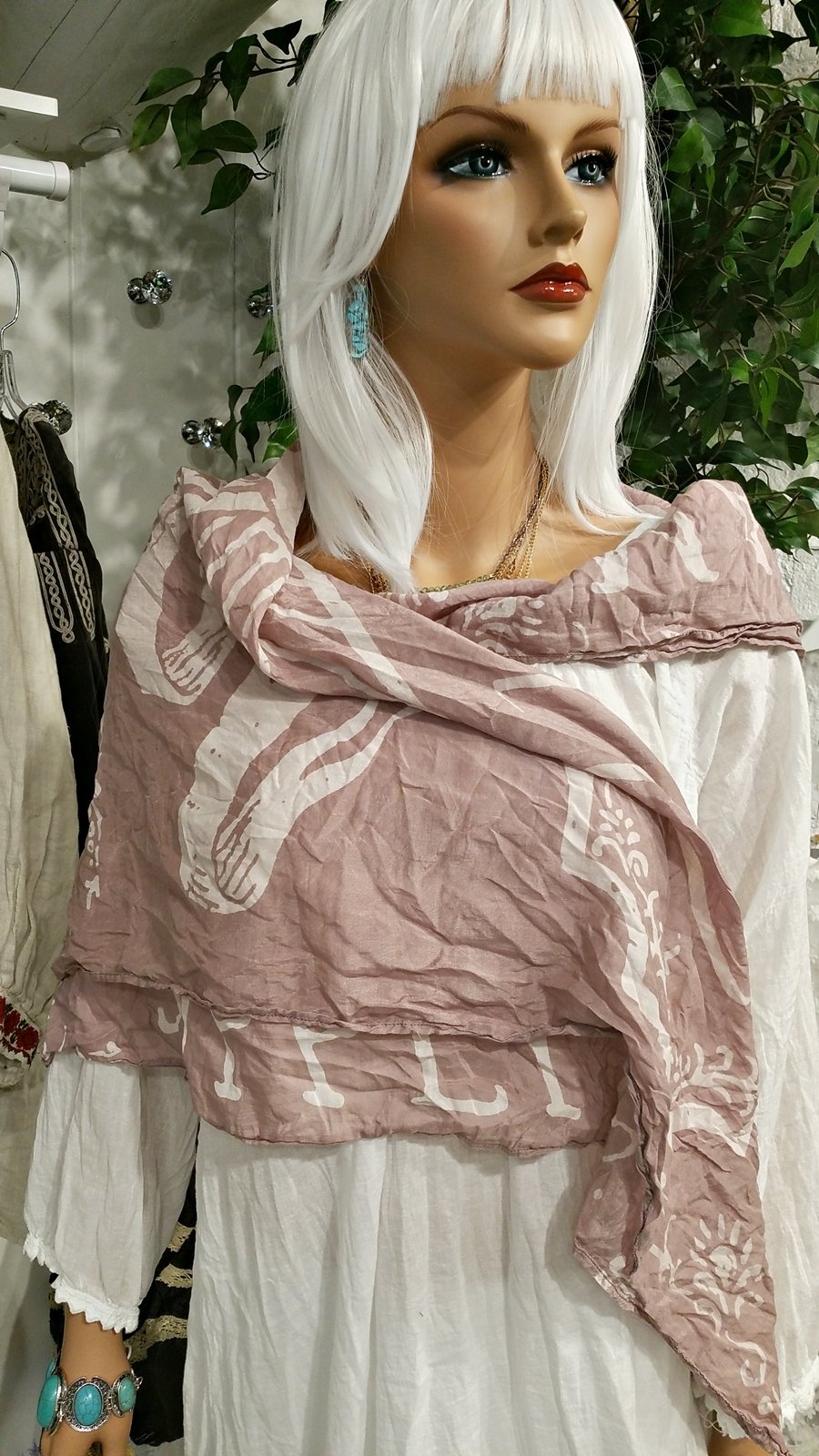 Happiness Pink Cotton Scarf by Magnolia Pearl, https://kollekcio.com