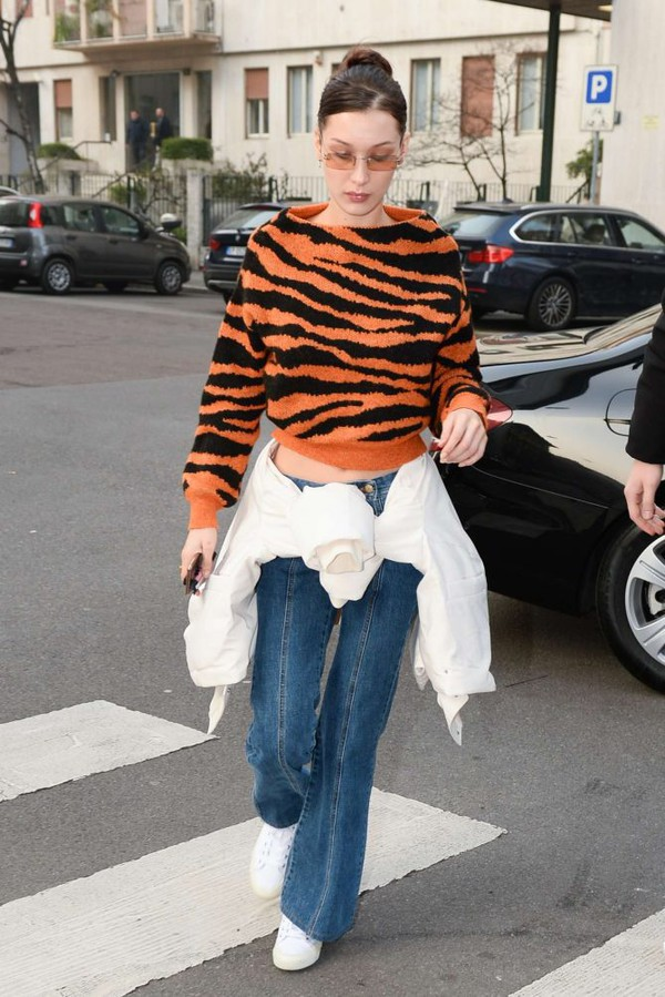 sweater animal print tiger print bella hadid model off-duty fashion week streetstyle cropped sweater
