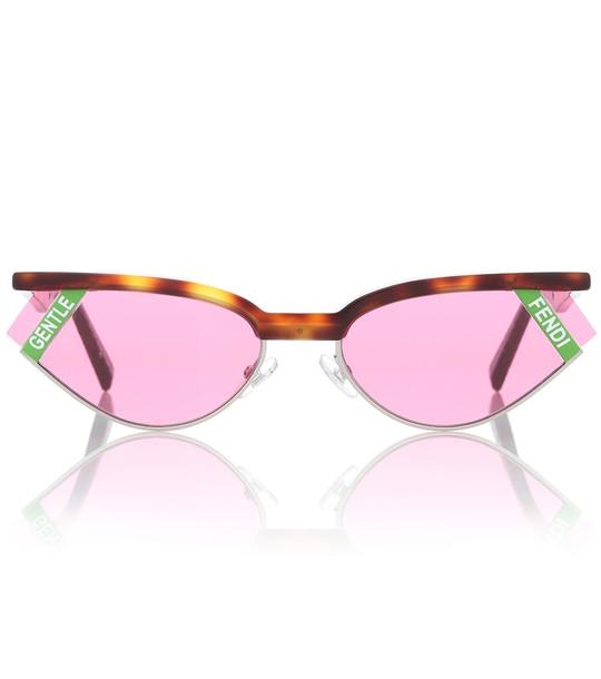 Gentle Fendi No. 1 sunglasses in pink