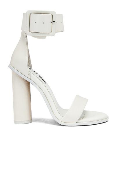Alias Mae Ami Heel in white