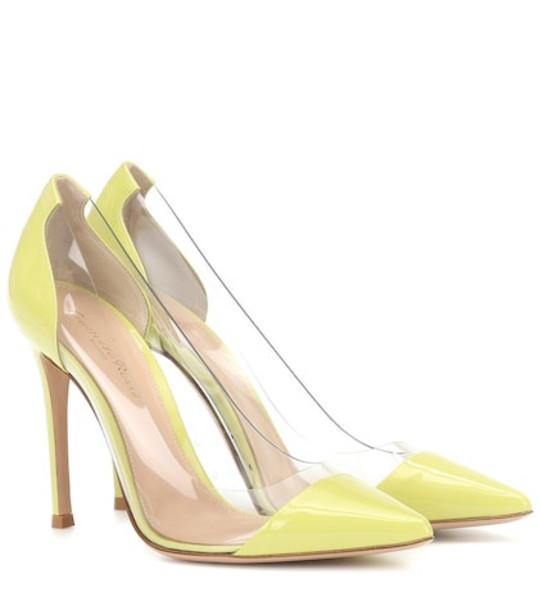 Gianvito Rossi Plexi 105 patent leather pumps in yellow