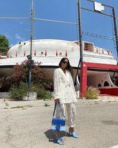 jacket,white blazer,lace,white pants,sandal heels,blue bag