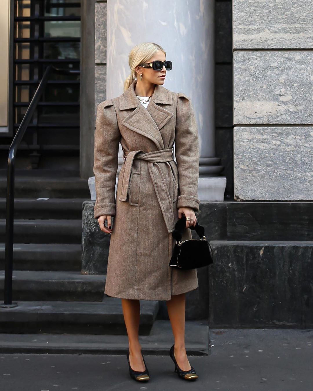 shoes pumps bottega veneta long coat black bag velvet