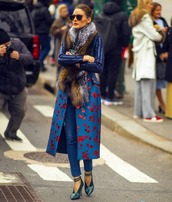 scarf,fur scarf,fox,pumps,blue coat,floral,long coat,skinny jeans,sunglasses