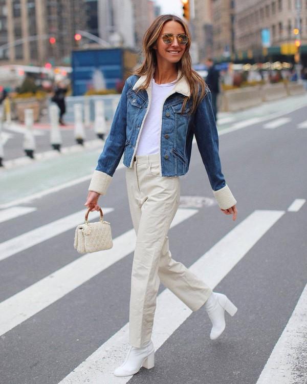 jacket denim jacket faux fur white boots heel boots high waisted pants handbag white bag white t-shirt