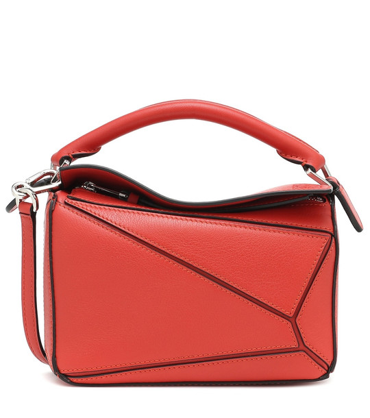 Loewe Puzzle Mini leather shoulder bag in red