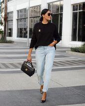 jeans,blue jeans,light blue jeans,sweater,black sweater